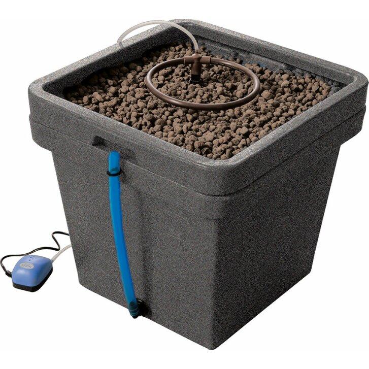 Terra Aquatica AquaFarm, hydroponic system including pump, space for 1-6 plants per pot