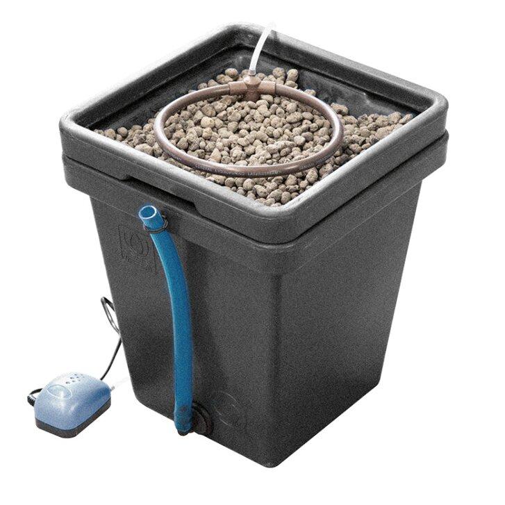 Terra Aquatica WaterFarm, hydroponic system including pump, space for 1-6 plants per pot